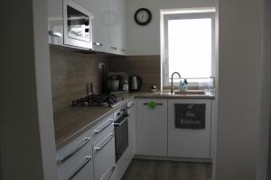 bielo drevena kuchyna